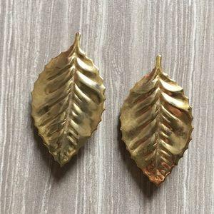 Vintage leaf clip-on earrings